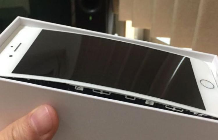 Chia sẻ cách nhận biết pin iPhone bị phồng