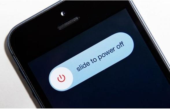 Khởi động lại iPhone khắc phục lỗi safari